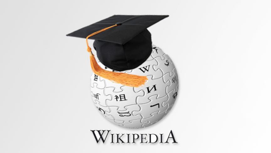estudiantes usando wikipedia